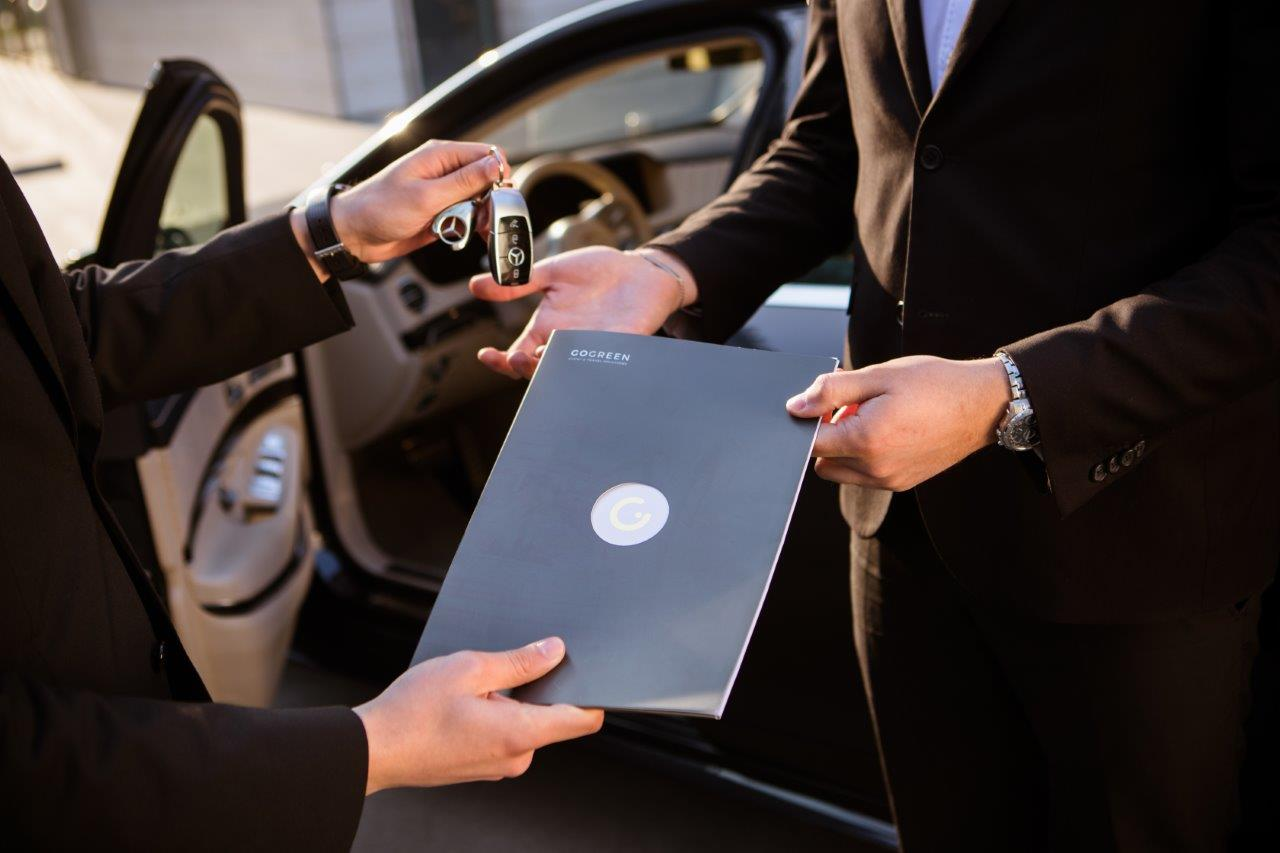 Long-term operating lease of vehicles